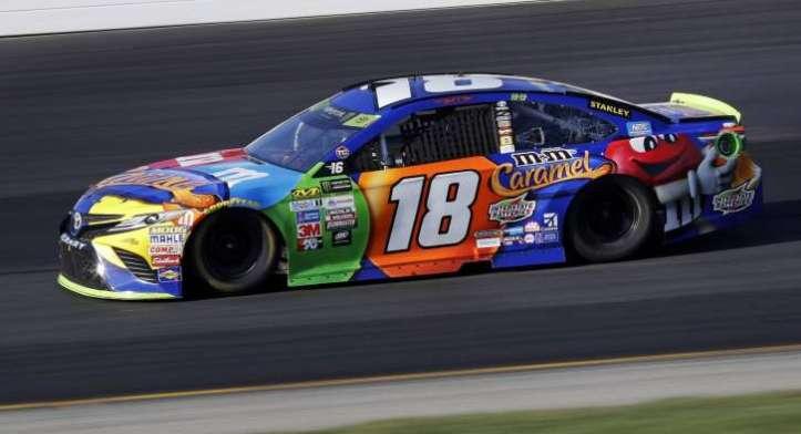 NASCAR_New_Hampshire_Auto_Racing_36301-727x395